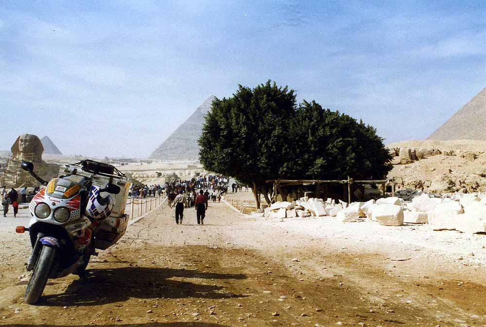 The sphinx and the pyramids of Giza near Cairo. Egypt.