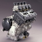 R1 engine ••• R1 motorblok