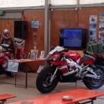 Internationale VRA Rally op camping De Hei. (Vulcan Riders Association) Praatje doen met geïnteresseerden en bij animo een circa 1 uur durende presentatie over de R1-Wereldreis met een vleugje Poolijsrit.
