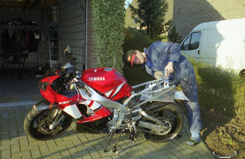 Yamaha YZF R1+ slijptol