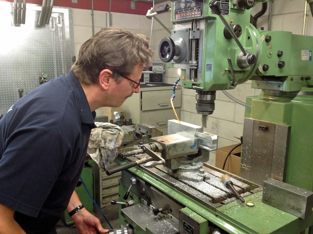 PIR-Machining of the swingarm extension