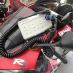 Switchbox made by Brandsma B.V. to regulate the electric heated clothing from Klan and the visor ••• Het door Brandsma B.V. gemaakte schakelkastje voor 't regelen van 't elektrisch verwarmde vizier en de kleding van Klan
