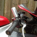 Extended front fork before I raised the bike with 65 mm ••• Verlengde voorpoot voordat ik die 65 mm hoger zette